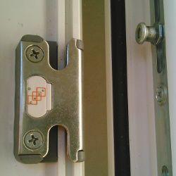 Sehr Fenstersicherung - mechanischer Einbruchschutz für Fenster+ HK39
